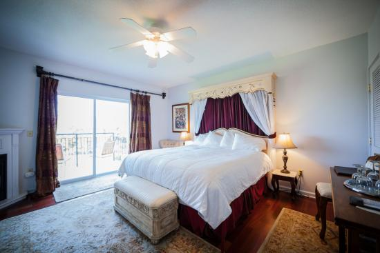 La tourelle hotel bistro spa updated 2017 resort for 33 fingers salon reviews