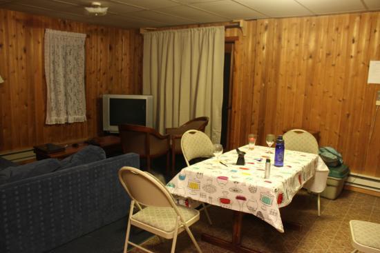 Pine Terrace Motel & Resort: Our Cabin