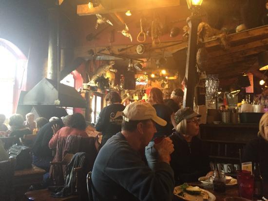 Handlebars Restaurant & Saloon : Handlebar Saloon at Lunch