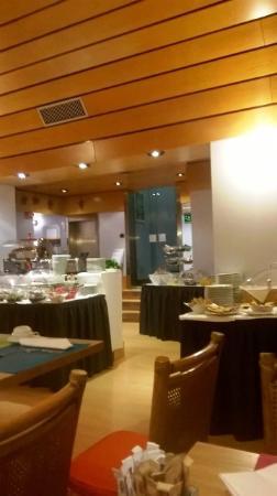 Hotel Mediolanum Milan: sala colazione - panormica