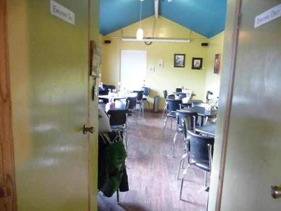 Black Bear Coffee House : Dining room area just before closing