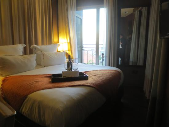 Brown TLV Urban Hotel: room
