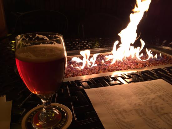 The Nook: Cold night, fire pit, great ale, awesome selection