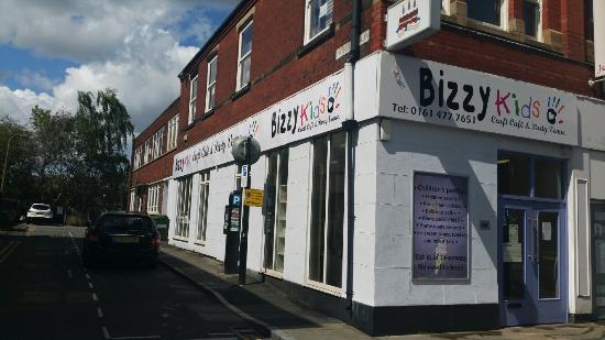 Bizzy Kids Craft Cafe and Party Venue