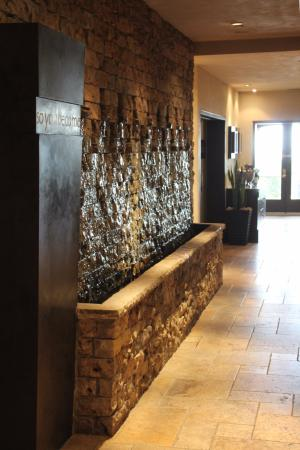 Oban Inn, Spa and Restaurant: Reception Water feature