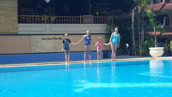Palm Beach International Hotel: Kids loved the pool.