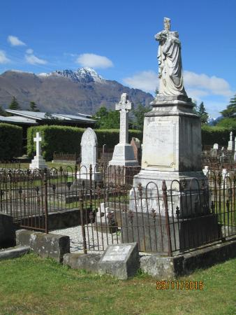 Queenstown Cemetery: Lovely setting