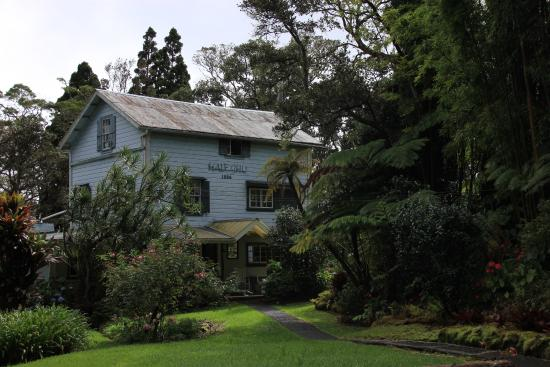 My Island Inn: The main house