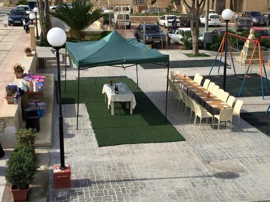 Kercem, Malta: B'Day Party Set Up