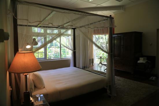 Garnet Garden suite of Summerville Bungalow