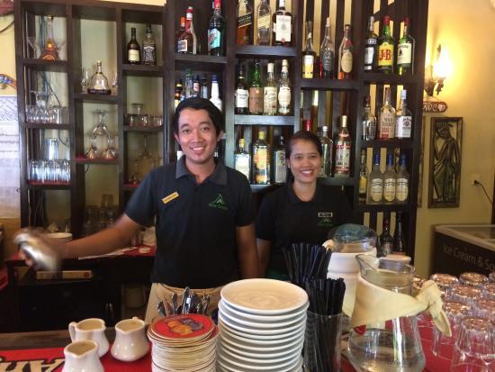 Anise Hotel: Fanstastic Bar staff