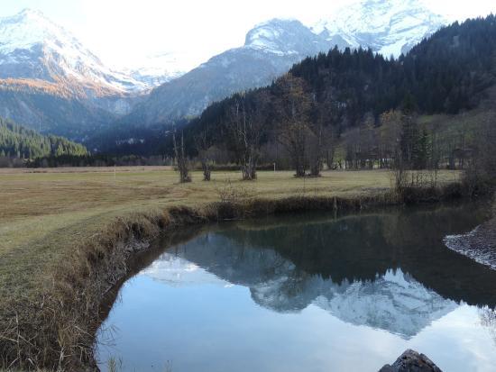 Rohrbach, Lauenen mit doppeltem Bergpanorama