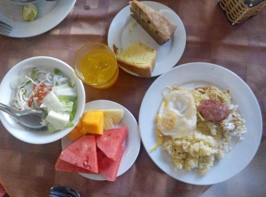 Trung Cang Hotel: Sarapan Pagi