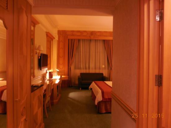 The Rizqun International Hotel: Blick nach dem Betreten des Zimmers