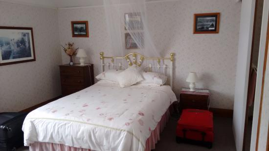 The Gables: Pictonian Room