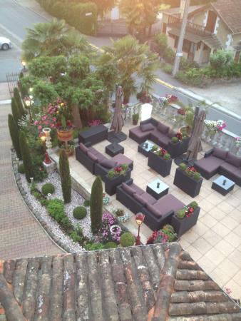 Logis Hostellerie des Ducs: voorkant hotel