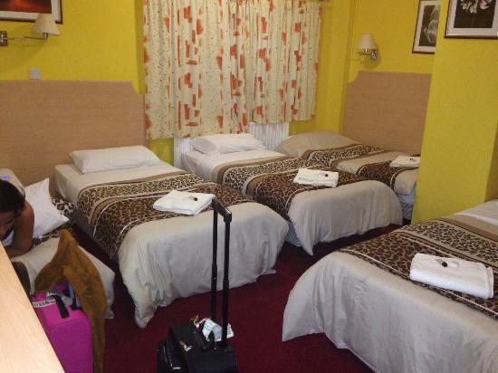 Acton Town Hotel: bedden