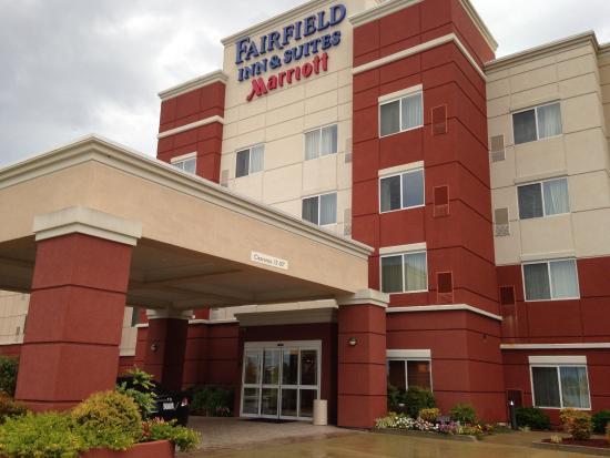 Fairfield Inn & Suites Tupelo : 外観