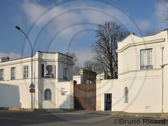 Musée Paul Belmondo : Le musée Paul Bemondo vu de la rue de l'abreuvoir...