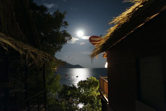 Rawai View Cafe' & Bar: Full moon