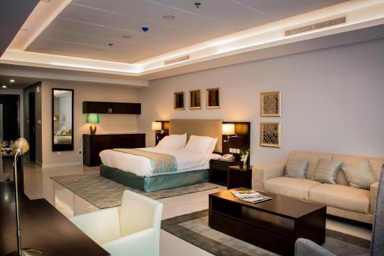Ramada Hotel and Suites Amwaj Islands Manama: Deluxe Room