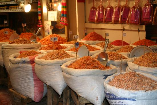 Grenouilles fraichement preparees - Photo de Nonthaburi Market, Nonthaburi - ...
