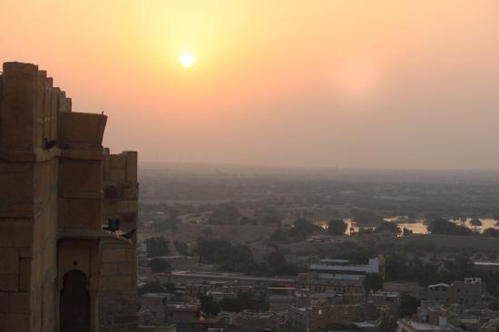 Sagar Guest House: sunrise from roof top