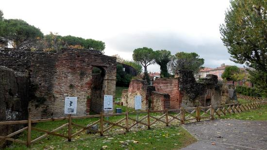 Anfiteatro Romano: IMG_20151122_084627_large.jpg