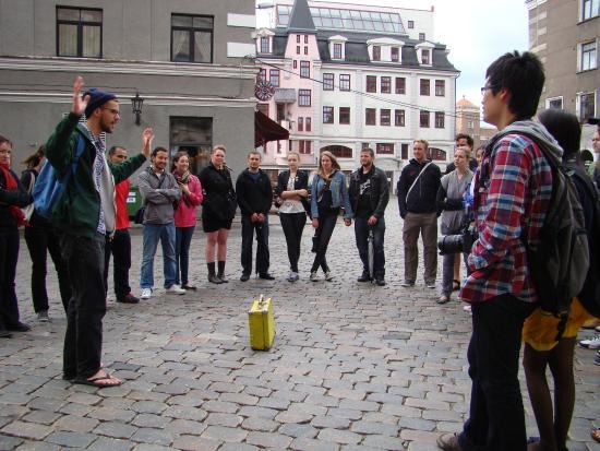 Naughty Squirrel Backpackers: Бесплатный пешеходный тур по Риге