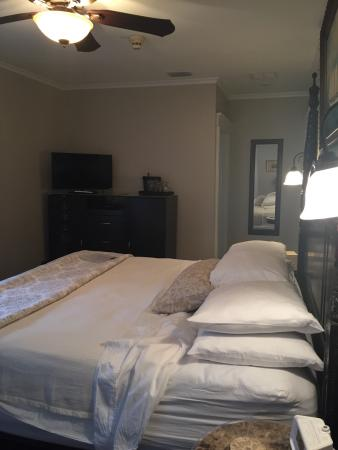 Hemingway House Bed & Breakfast Photo