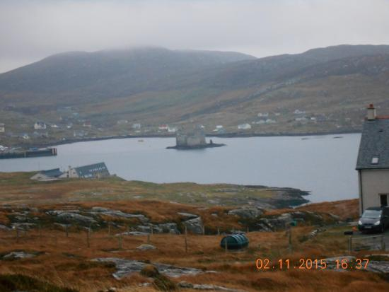 Tigh-Na-Mara Guest House : coming in to Castlebay