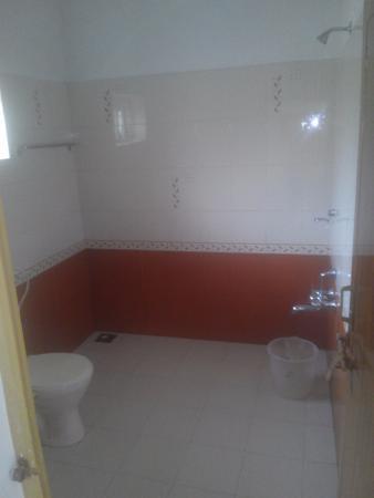Bougainvilla: Bathroom