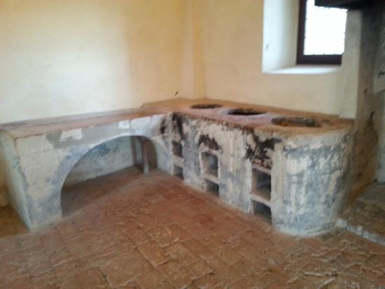 Le antiche cucine - Foto di Castello di Torrechiara, Torrechiara ...