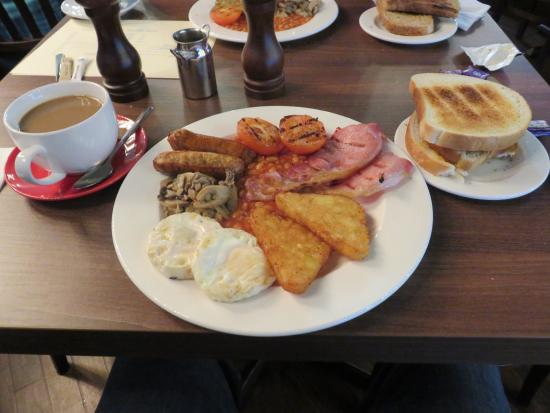 Horley, UK: breakfast