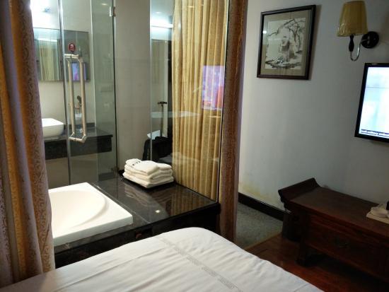 Morning Sun Hotel: not very big room