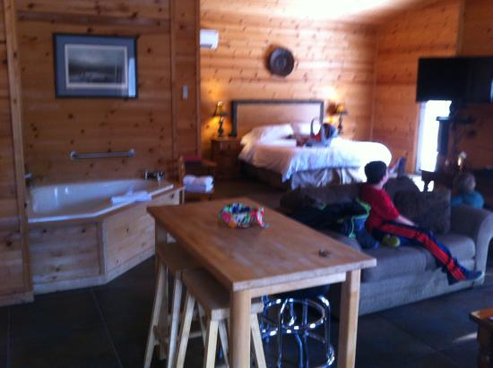 Cabins at Sugar Mountain: View of the jacuzzi tub and king size bed