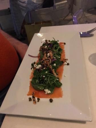 Oceano: salmon carpaccio