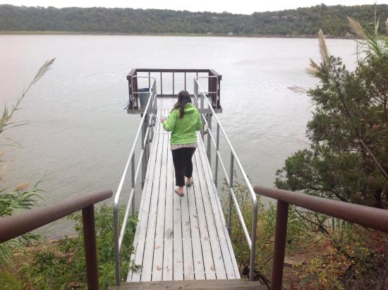 Lake Mineral Wells State Park: Lovely lake.