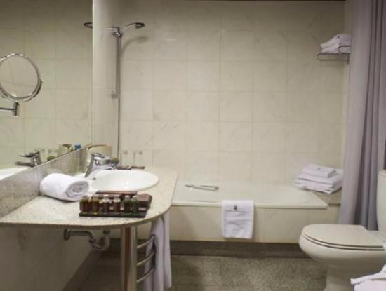 Hotel Carlemany: Ванна