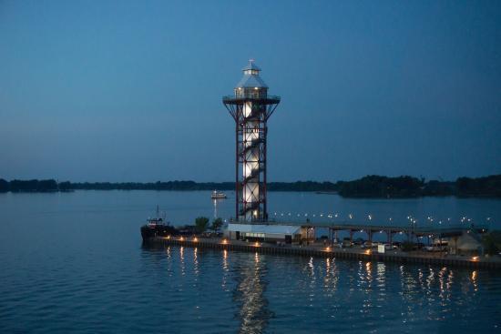 Sheraton Erie Bayfront Hotel: Bicentennial Tower