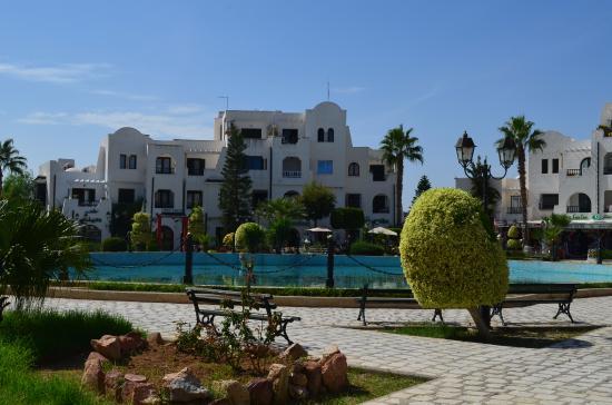 Governatorato di Tunisi, Tunisia: поющий фонтан