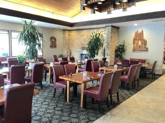 Tree House Restaurant: Dining Room
