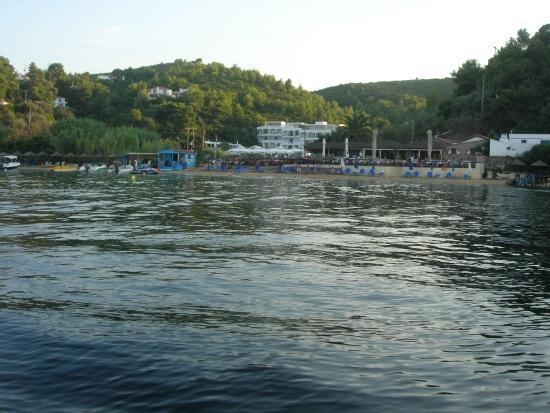 Plaza Skiathos Hotel: vista dal mare...