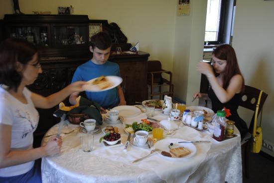 نيموناس تور جيست هاوس: Экологически вкусный завтрак