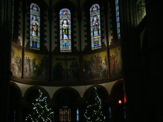 Eglise catholique Saint Pierre le Jeune: перед рождеством