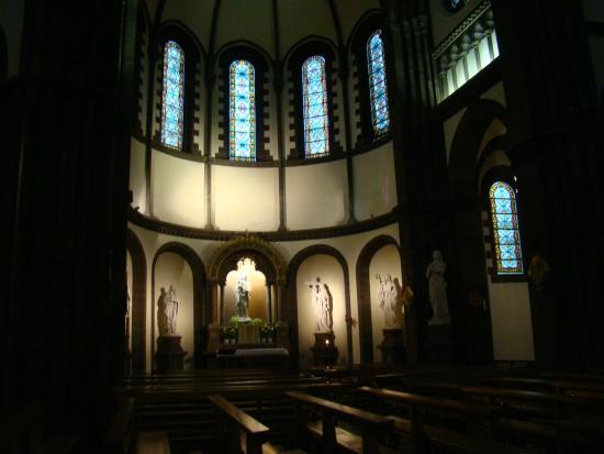 Eglise catholique Saint Pierre le Jeune: интерьер