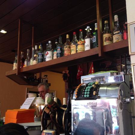 La Grappe D'or: Bar