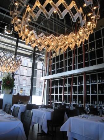 Wildfire Restaurant Sydney: 店内