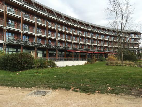 Le Jeu de Paume: L'hôtel Le Beaumont 5 *