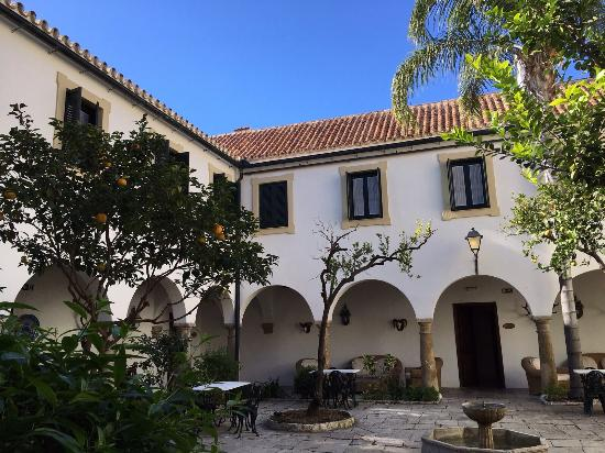 La Almoraima: photo3.jpg